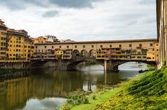 Berühmte Brücke Ponte Vecchio in Florenz, Italien Lizenzfreie Stockbilder