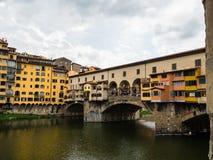 Berühmte Brücke Ponte Vecchio in Florenz, Italien Stockbild