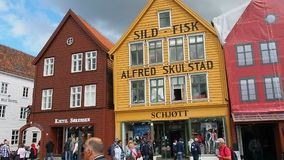 Berühmte Bryggen-Straße Bergen Norway stock video