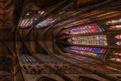 Berühmte Buntgläser in Leon-Kathedrale, Kastilien y Leon lizenzfreie stockbilder