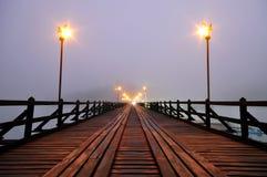 Berühmte hölzerne Montag-Brücke Stockbilder