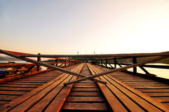 Berühmte hölzerne Montag-Brücke lizenzfreie stockfotografie
