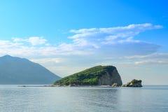 Berühmte Insel von Sveti Nikola in Budva Montenegro, adriatisches Meer, Europa Lizenzfreies Stockfoto