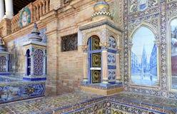 Berühmte keramische Dekoration in Plaza de Espana, Sevilla, Spanien Alter Grenzstein Lizenzfreie Stockfotos