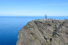 Berühmte Kugel auf Nord- Kap Nordkapp in Finnmark, Nord-Norwegen Stockfotos