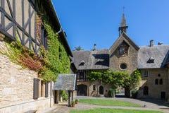 Berühmte Orval-Abtei auf Belgier die Ardennen Lizenzfreie Stockfotos