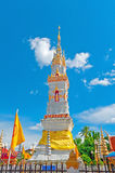 Berühmte Pagode alt im Tempel von Thailand Stockbilder