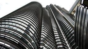 Berühmte Petronas-Twin Tower von der Endlosschraube `Sauge Ansicht Stockbilder