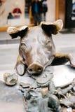 Berühmte Schweinskulptur auf Adelaides Rundle-Mall Stockfotos