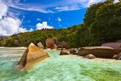 Berühmte Strand Quelle d'Argent bei Seychellen Stockfotografie