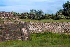 Berühmte und majestuous mexikanische archäologische Fundstätte Lizenzfreie Stockfotografie
