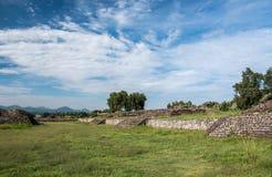 Berühmte und majestuous mexikanische archäologische Fundstätte Stockfoto