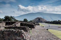 Berühmte und majestuous mexikanische archäologische Fundstätte Lizenzfreies Stockbild