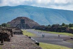 Berühmte und majestuous mexikanische archäologische Fundstätte Lizenzfreie Stockfotos
