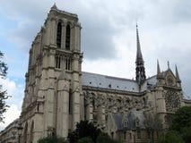 Berühmte und schöne Notre Dame lizenzfreies stockbild