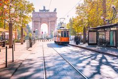 Berühmte Weinlesetram in Mailand, Lombardia, Italien Lizenzfreie Stockfotografie