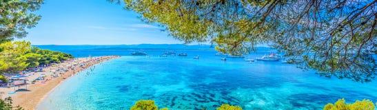 Berühmter adriatischer Strand goldenes Kap Lizenzfreie Stockfotografie
