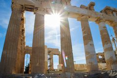Berühmter alter Tempel des Parthenons in Athen lizenzfreie stockfotos