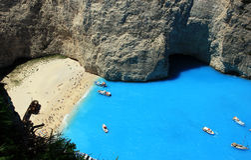 Berühmter europäischer Strand Navagio in Zakynthos-Insel Stockbilder