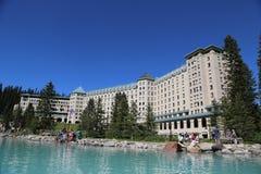 Berühmter Fairmont Chateau See Louise Hotel lizenzfreie stockfotografie