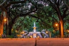 Berühmter historischer Forsyth-Brunnen in der Savanne, Georgia Lizenzfreie Stockfotografie