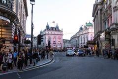 Berühmter Piccadilly-Zirkus, einer der bedeutenden Anziehungskraft von London, Lizenzfreie Stockfotos