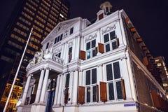 Berühmter Stadtanblick in der Nacht am 26. Dezember 2015 in Rotterdam - den Niederlanden Stockbild