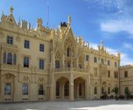 Berühmter touristischer Bestimmungsort Lednice-Palast lizenzfreie stockfotografie
