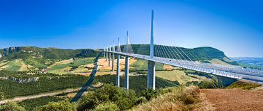 Berühmter Viadukt Millau panoramisch Stockbild
