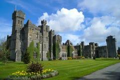 Berühmtes Ashford-Schloss, Grafschaft Mayo, Irland. Stockbilder
