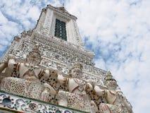 Berühmtes historisches Buddhismus stupa in WAT ARUN-Tempel, BANGKOK, THAILAND Lizenzfreie Stockfotos