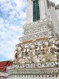 Berühmtes historisches Buddhismus stupa in WAT ARUN-Tempel, BANGKOK, THAILAND Stockfotos