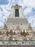 Berühmtes historisches Buddhismus stupa in WAT ARUN-Tempel, BANGKOK, THAILAND Lizenzfreie Stockfotografie