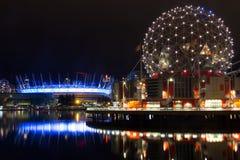 Berühmtes im Stadtzentrum gelegenes Vancouver in der Dämmerung Stockbilder
