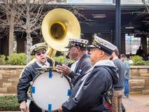 Berühmtes New- Orleansband TREME bei Mardi Gras Block Party Stockbild