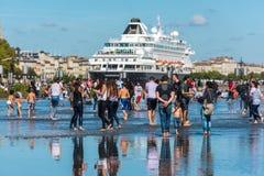 Berühmtes niederländisches Kreuzschiff Prinsendam im Bordeaux, Frankreich stockbilder