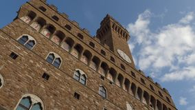 Berühmtes Palazzo Vecchio in Florenz - der Vecchio-Palast im historischen Stadtzentrum - Toskana stock video