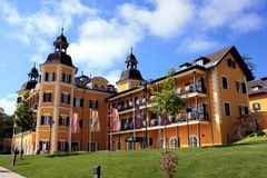 Berühmtes Schloss beim Wörthersee Stockbilder
