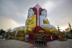 Berühmtes vier Gesicht Buddha von Kyaik Pun Pagoda Bago Stockbilder