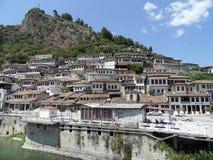 Berat - stad av tusen fönster, Albanien, UNESCO Arkivbilder