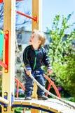 Berbeć chłopiec na boisku Zdjęcia Royalty Free