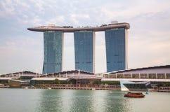 Überblick über die Jachthafenbucht mit Marina Bay Sands in Singapor Lizenzfreies Stockbild