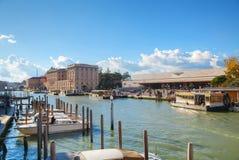 Überblick über Grand Canal und Bahnstation in Venedig Stockbild