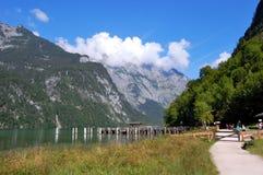 berchtesgaden немецкий берег озера koenigsssee ближайше Стоковая Фотография