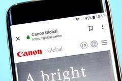 Berdyansk, Ucrânia - 8 de junho de 2019: Homepage do Web site de Canon Logotipo visível na tela do telefone, editorial ilustrativ foto de stock