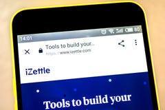 Berdyansk, Ucrania - 15 de mayo de 2019: homepage de la página web del iZettle logotipo del iZettle visible en la pantalla del te imagen de archivo