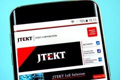 Berdyansk, Ukraina - 1 2019 Czerwiec: JTEKT strony internetowej homepage JTEKT logo widoczny na telefonu ekranie zdjęcia stock