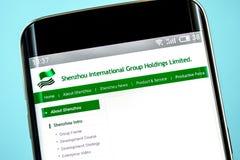 Berdyansk Ukraina - 6 Juni 2019: Homepage för website för Shenzhou internationell gruppinnehav Shenzhou internationell grupplogo fotografering för bildbyråer