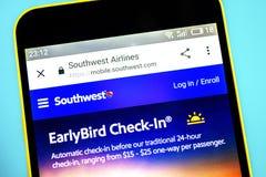 Berdyansk, Ukraina - 26 2019 Maj: Southwest Airlines strony internetowej homepage Southwest Airlines logo widoczny na telefonu ek zdjęcie stock