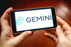 Berdyansk Ukraina, Marzec, - 17, 2019: Gemini cryptocurrency wymiany strona internetowa wystawiająca na nowożytnym smartphone obrazy stock